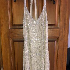 Sleeveless long formal/prom dress